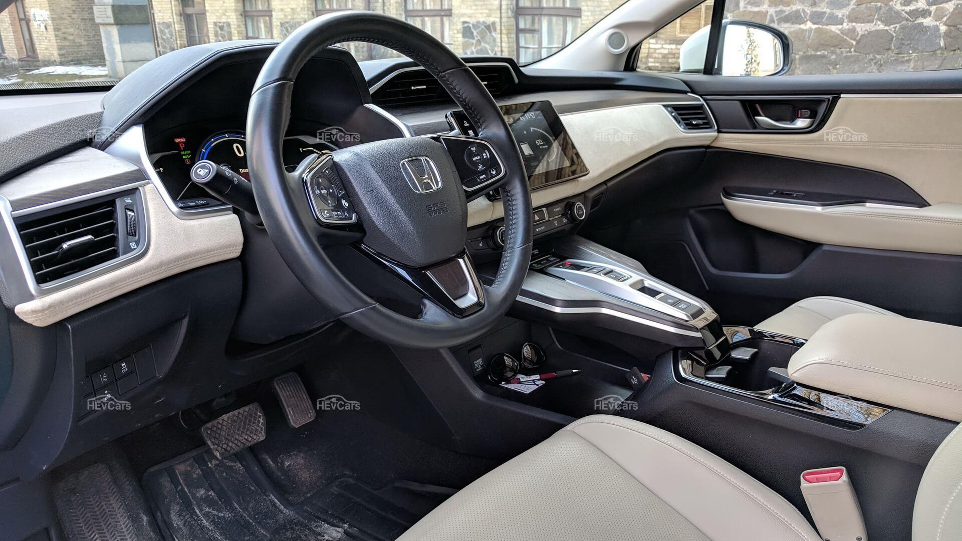 Интерьер Honda Clarity PHEV - фото 3