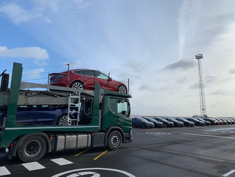 Поставки Tesla Model 3 в Европе