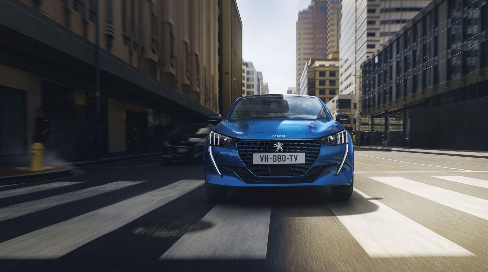 Фотография экоавто Peugeot e-208 - фото 4