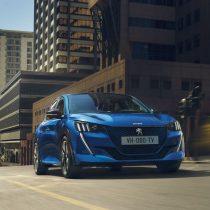 Фотография экоавто Peugeot e-208 - фото 3