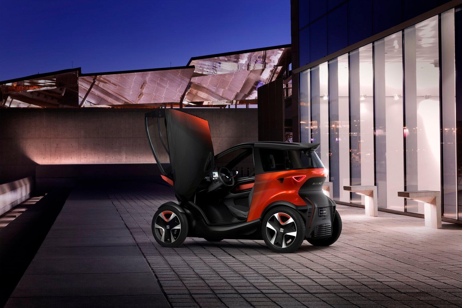 SEAT Minimó— это электромобиль, который сочетает всебе лучшее измотоцикла иавтомобиля
