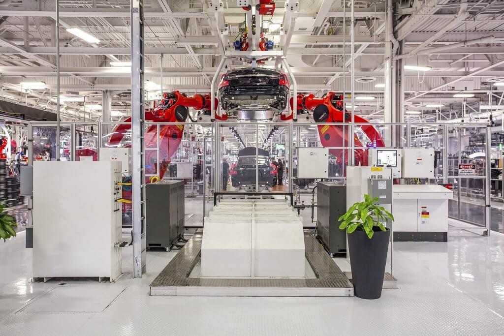 Производство Tesla Model S на заводе во Фримонте
