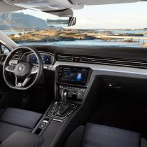 Фотография экоавто Volkswagen Passat GTE 2019 - фото 6