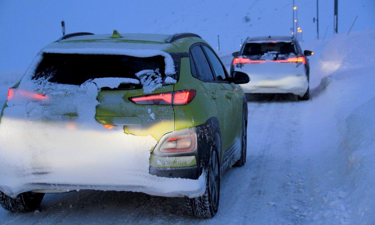 Тестируемые электромобили в дороге