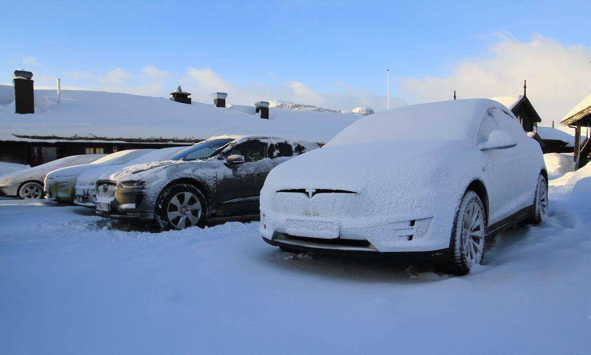 Tesla Model X100D, Audi e-tron quattro, Kia e-Niro, Hyundai Kona Electric иJaguar I-PACE