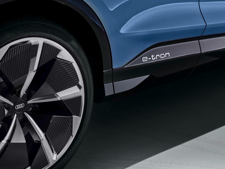 Фотография экоавто Audi Q4 e-tron - фото 4
