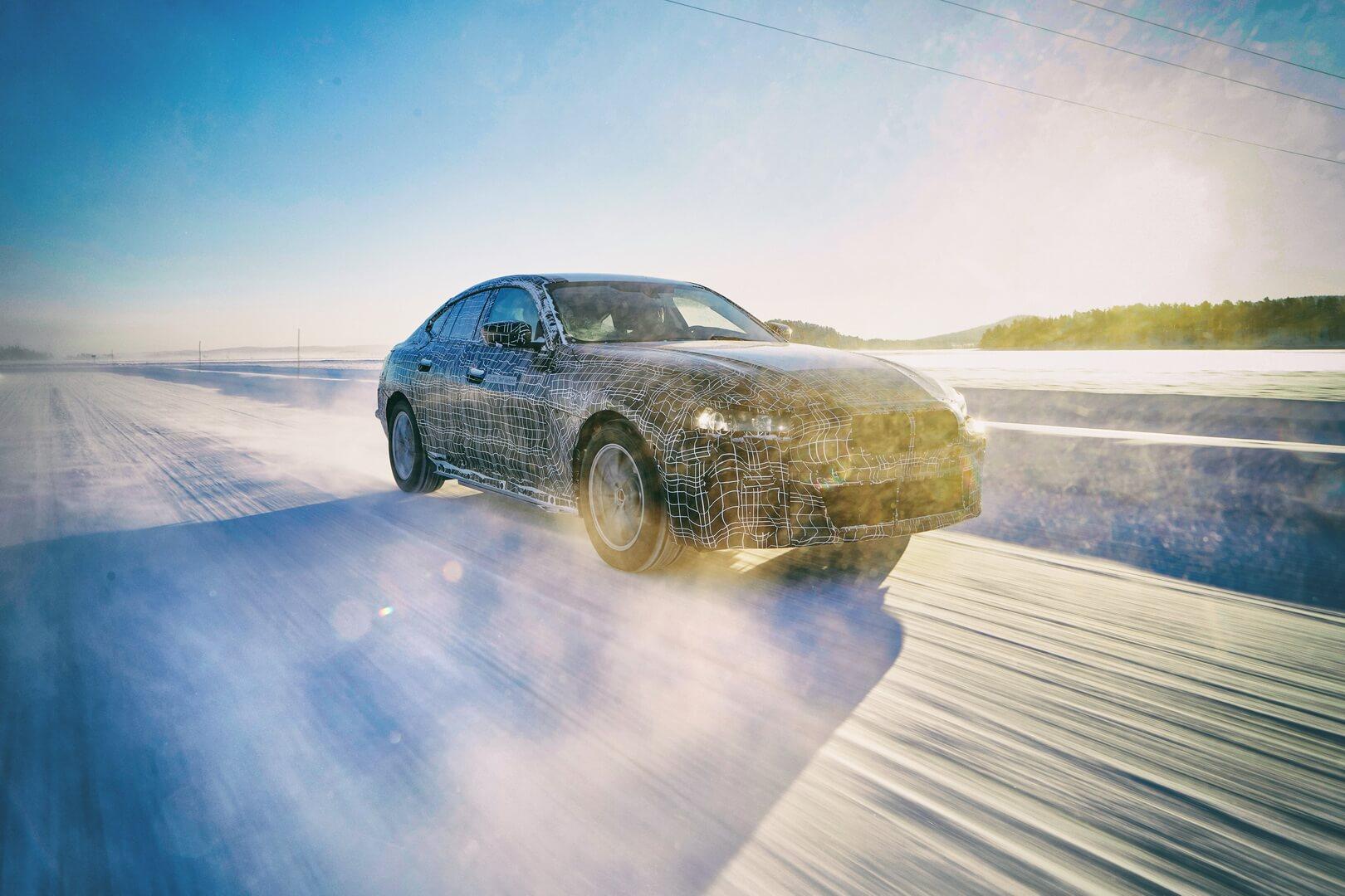 Электромобиль BMWi4