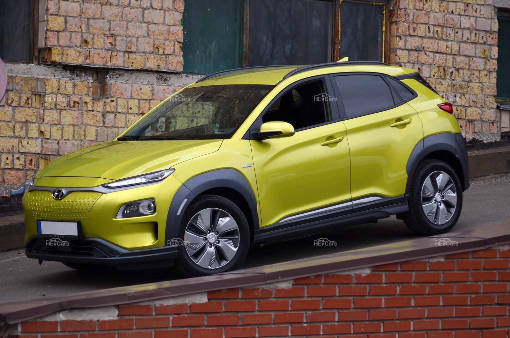 Электромобиль Hyundai Kona Electric - фото 2