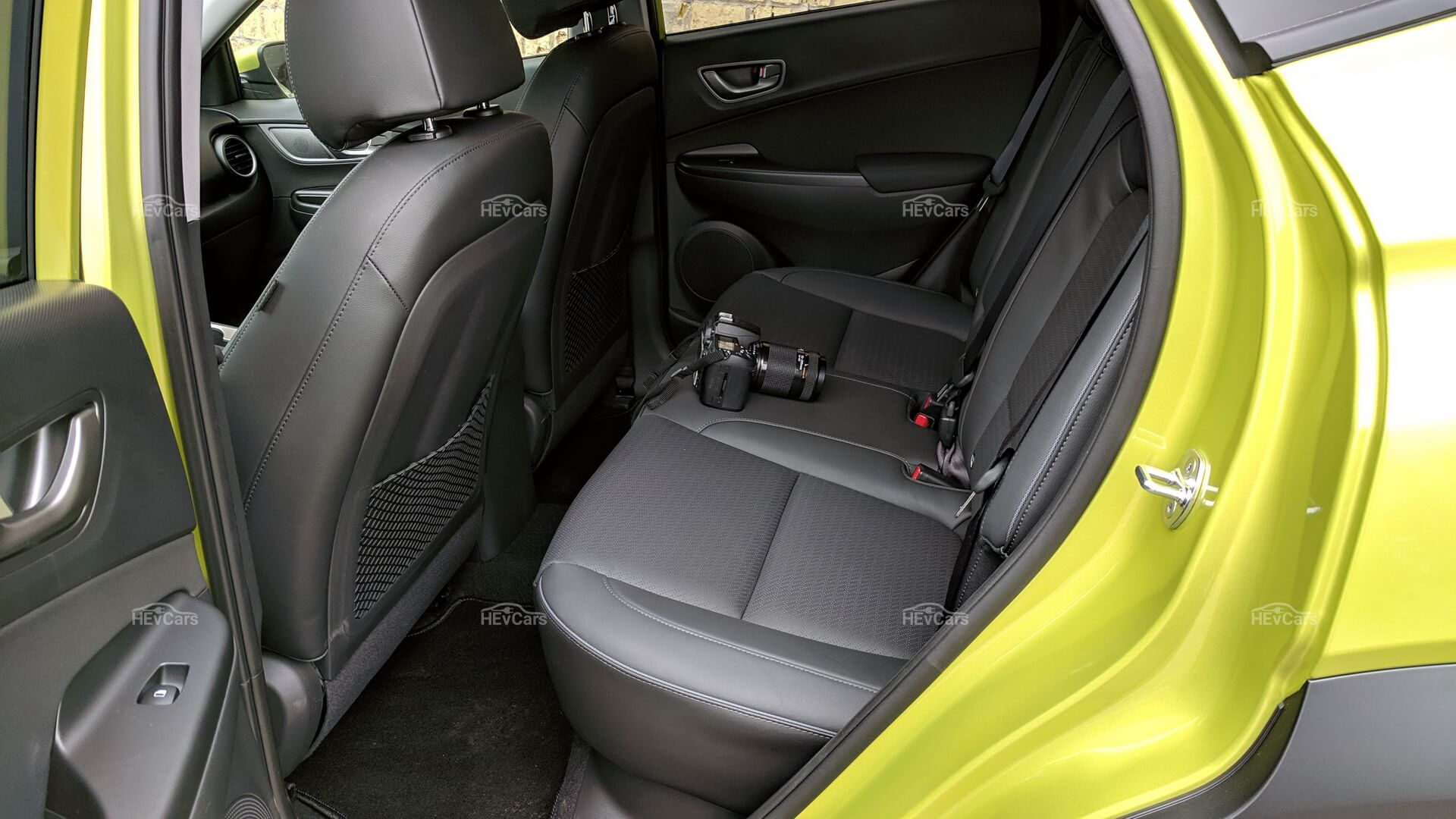 Задний ряд сидений в Hyundai Kona Electric