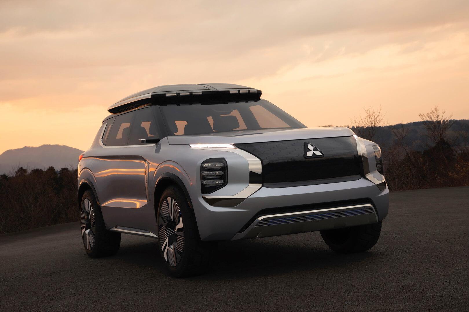 Mitsubishi представила многофункциональный плагин-гибрид Engelberg Tourer