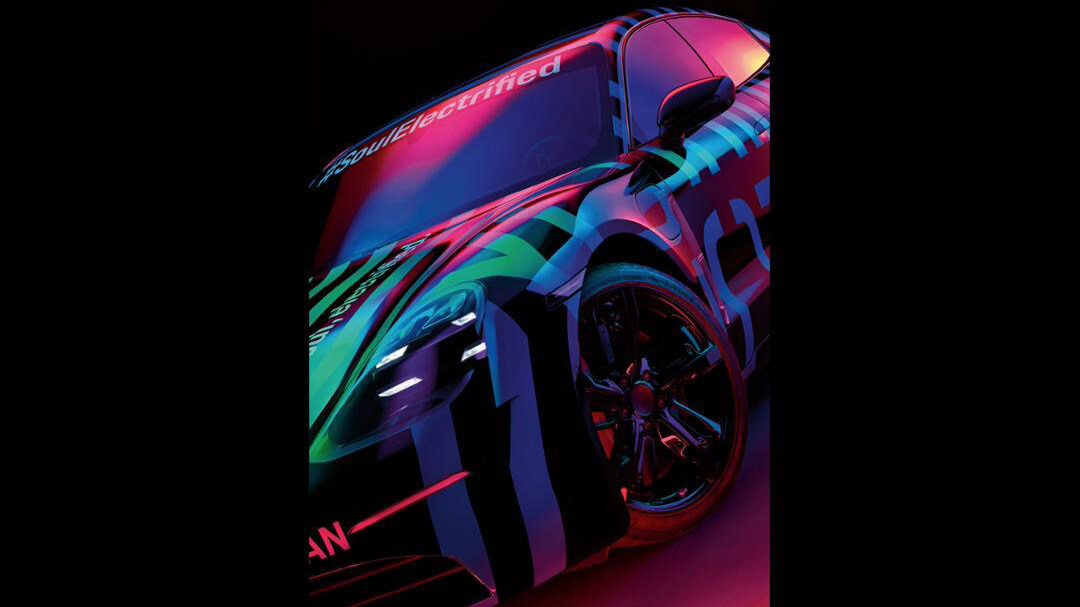 Фото тизер Porsche Taycan