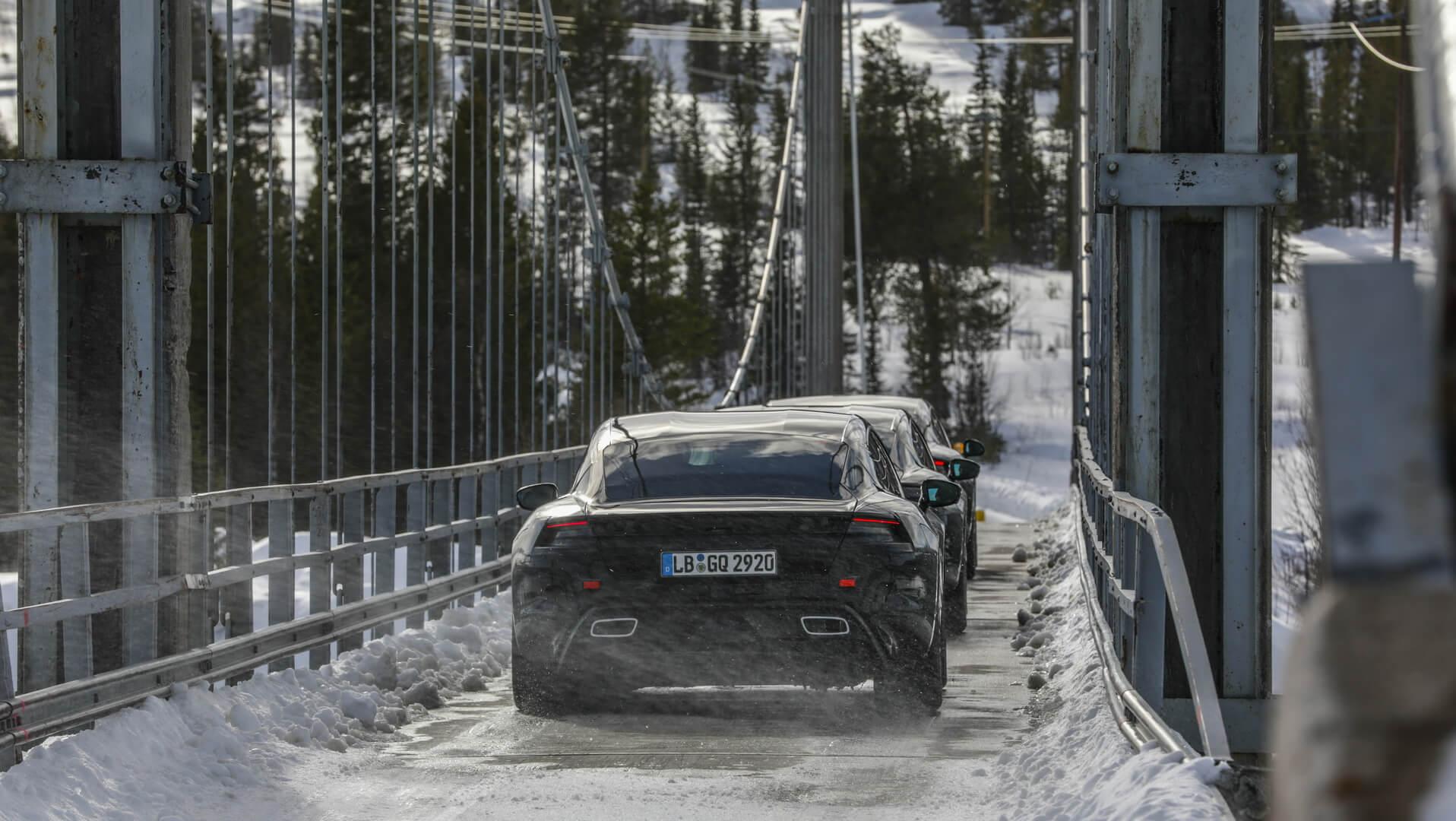 Porsche тестирует Taycan в Швеции
