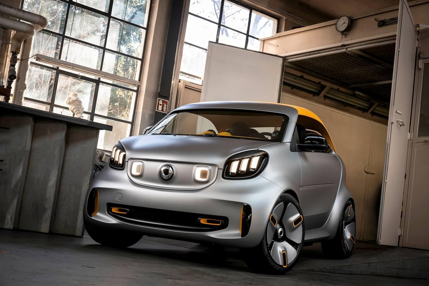Smart покажет в Женеве EV-кабриолет со съемной крышей Forease +
