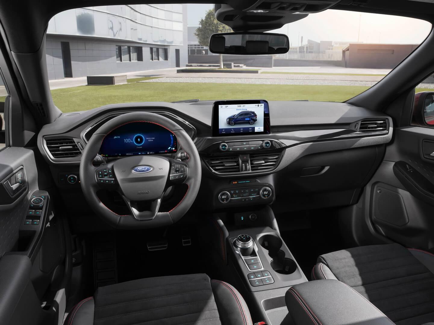Салон Ford Kuga PHEV & Hybrid