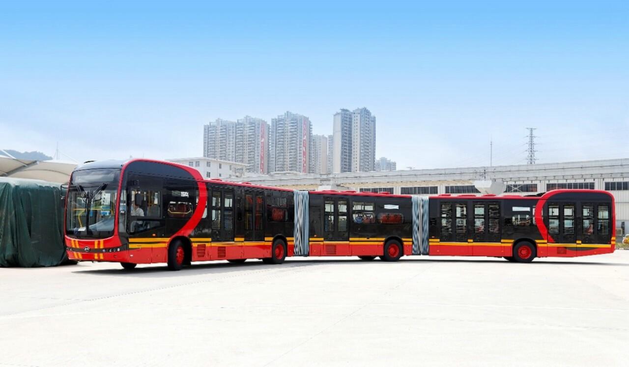 BYD представляет самый длинный электрический автобус вмире