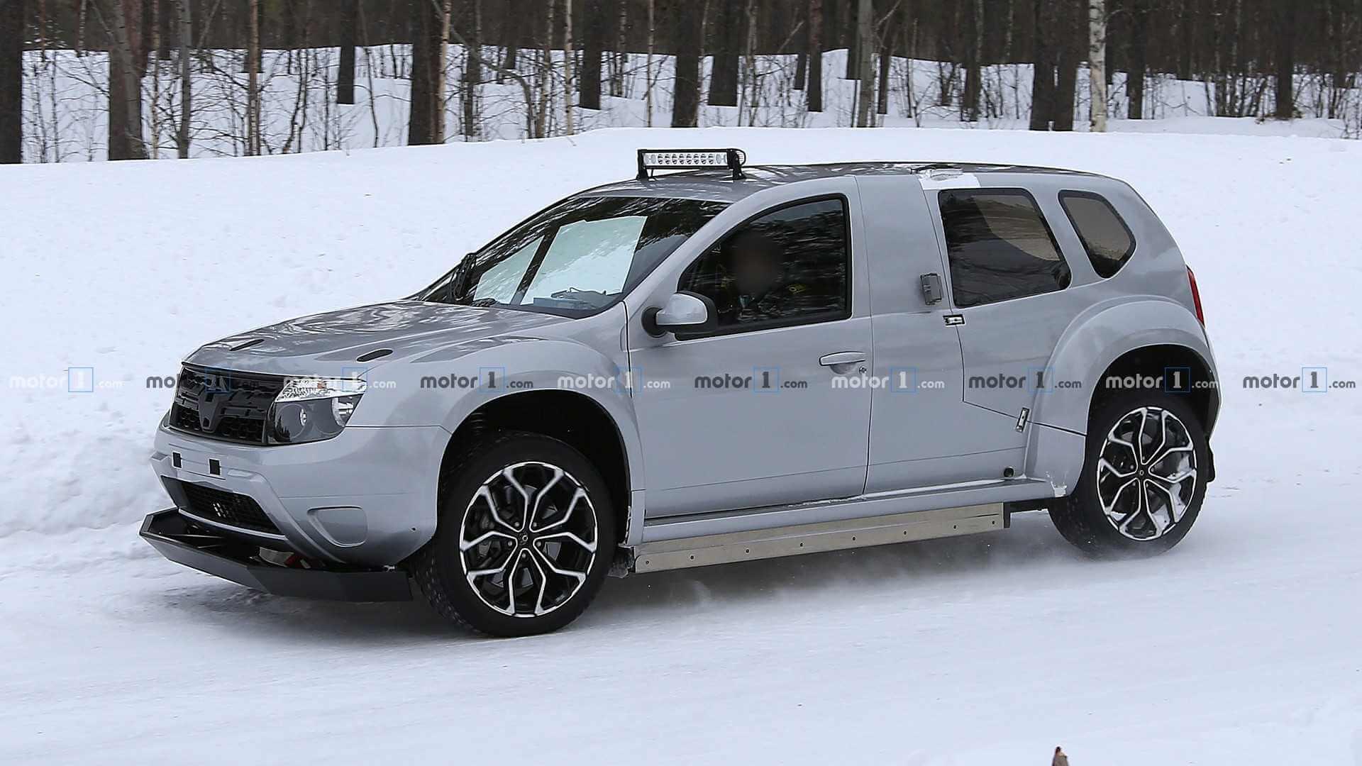 Шпионский снимок прототипа электрического Renault Duster