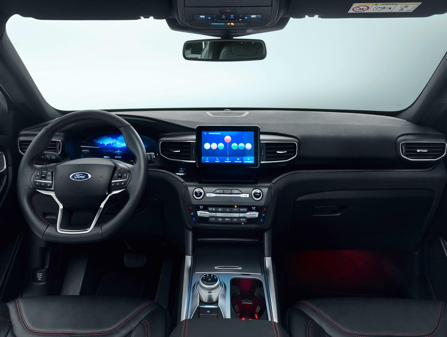 Интерьер Ford Explorer Plug-In Hybrid