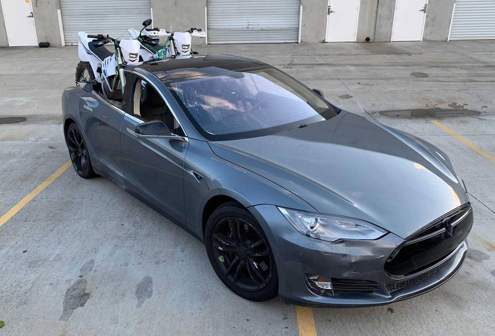 Тюнинг-ателье превратило Tesla Model Sвпикап