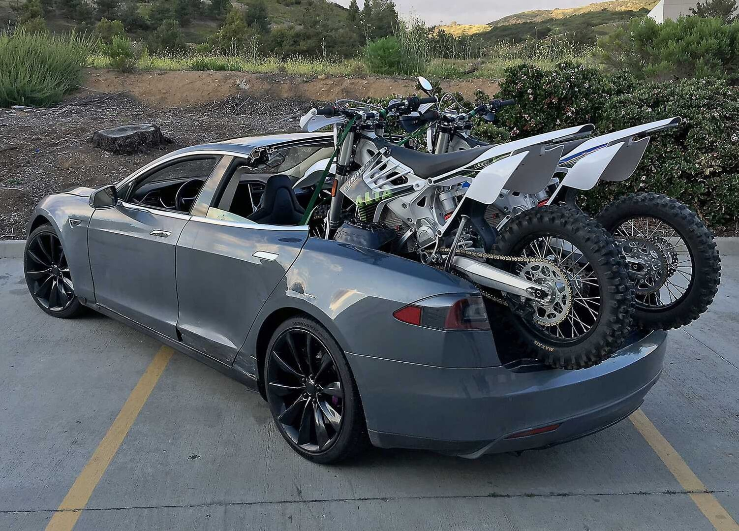 Teslamino: пикап на базе Tesla Model S