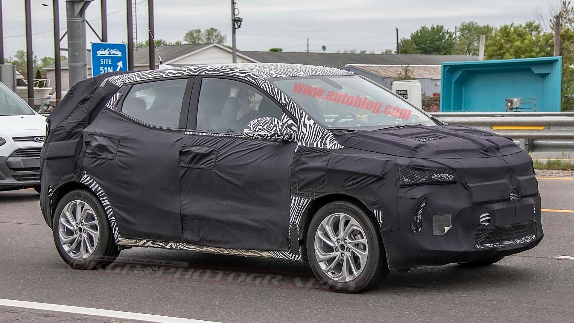 Электрический кроссовер Chevrolet на базе Chevy Bolt проходит первые испытания