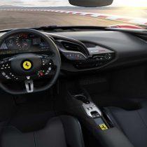 Фотография экоавто Ferrari SF90 Stradale - фото 12