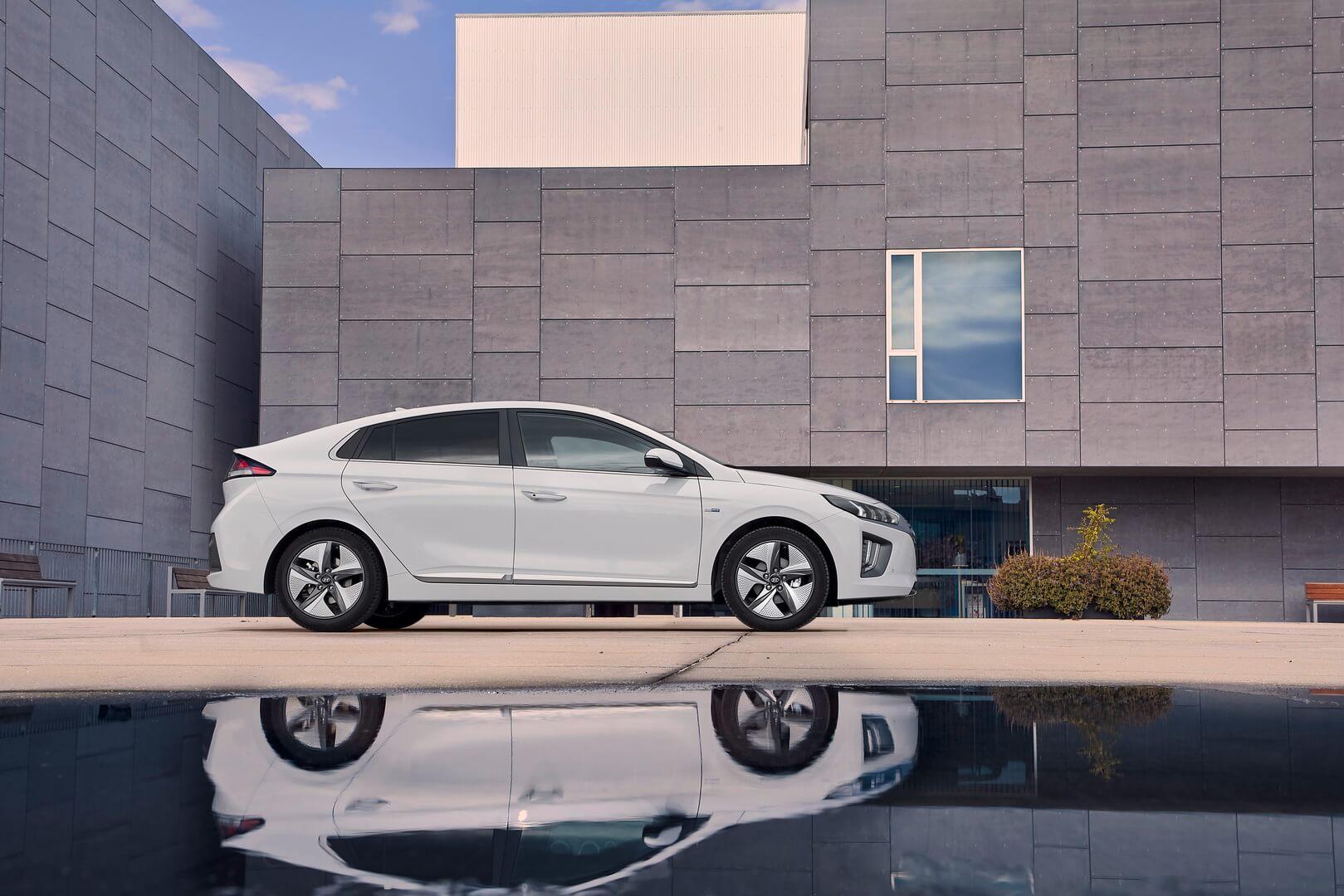 Фотография экоавто Hyundai IONIQ Hybrid 2019 - фото 17
