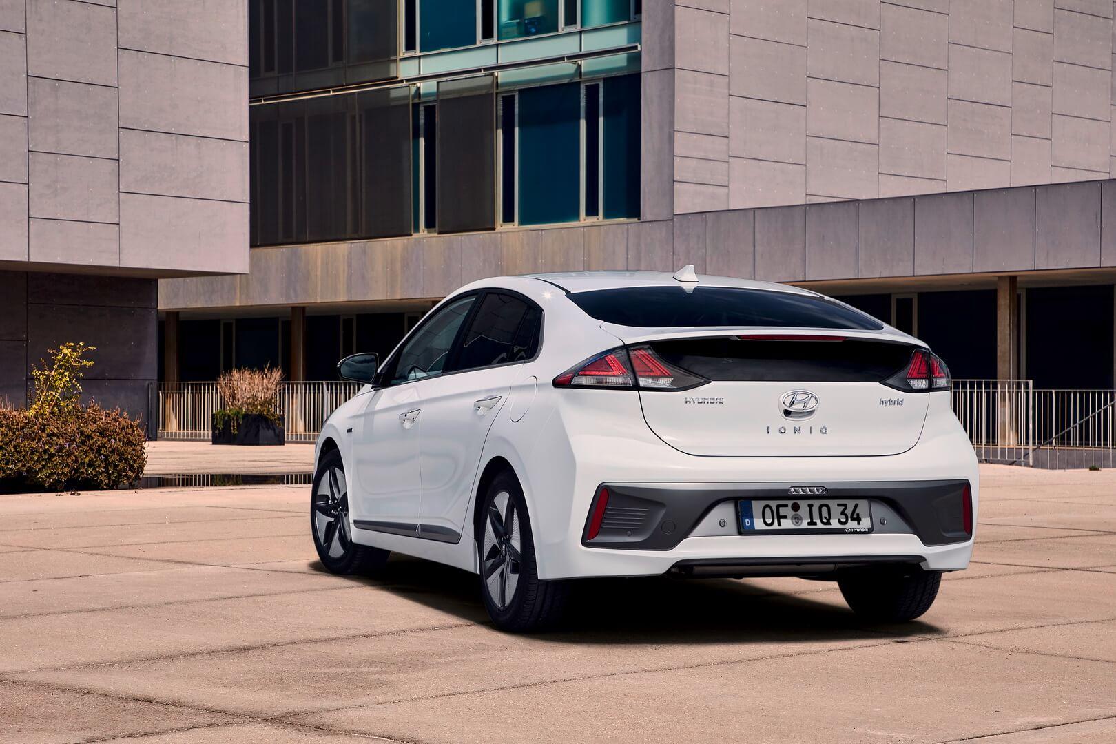 Фотография экоавто Hyundai IONIQ Hybrid 2019 - фото 16
