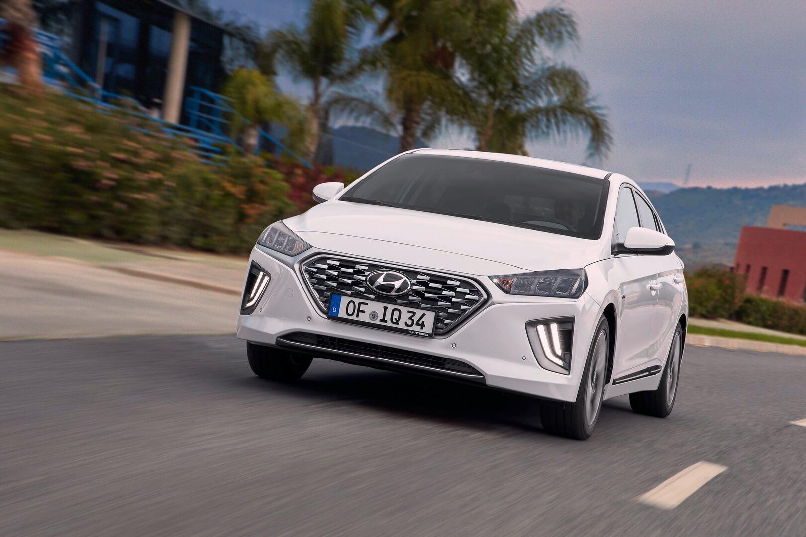 Фотография экоавто Hyundai IONIQ Hybrid 2019 - фото 12