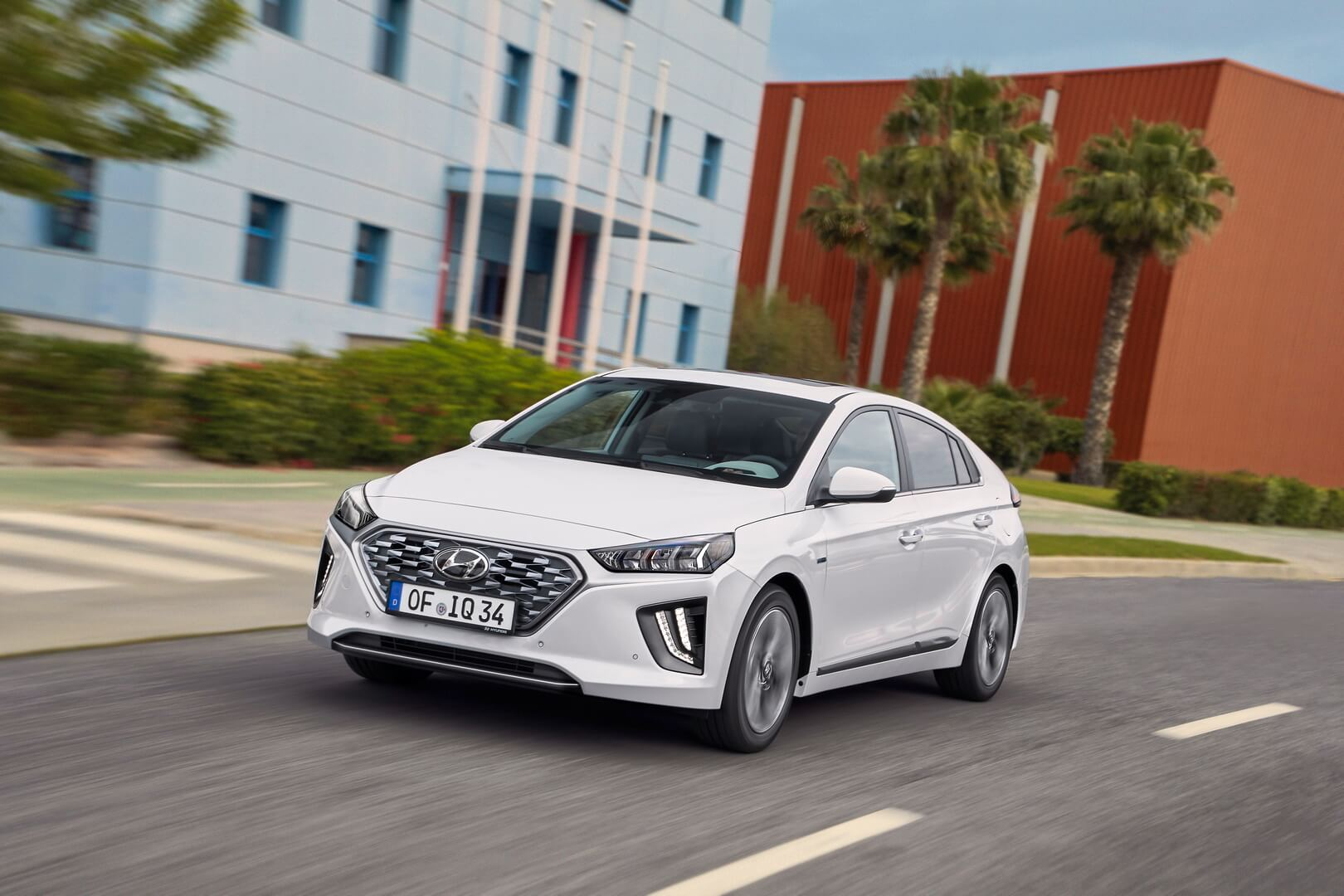 Фотография экоавто Hyundai IONIQ Hybrid 2019 - фото 6