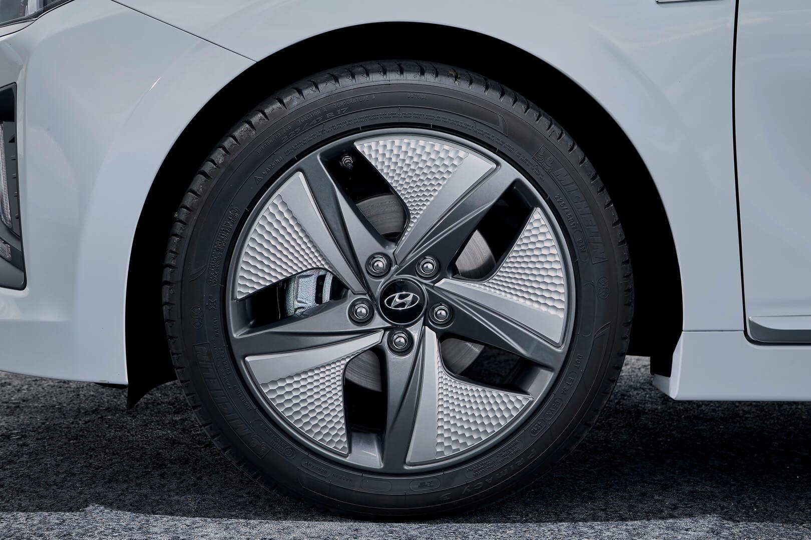 Фотография экоавто Hyundai IONIQ Hybrid 2019 - фото 8
