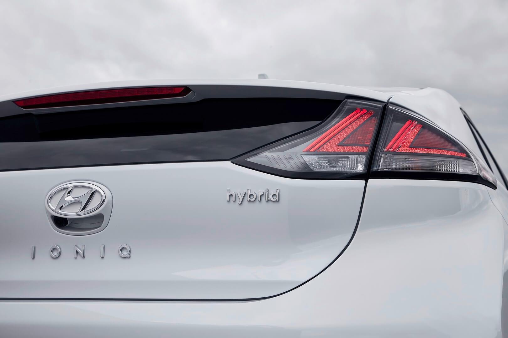 Фотография экоавто Hyundai IONIQ Hybrid 2019 - фото 2