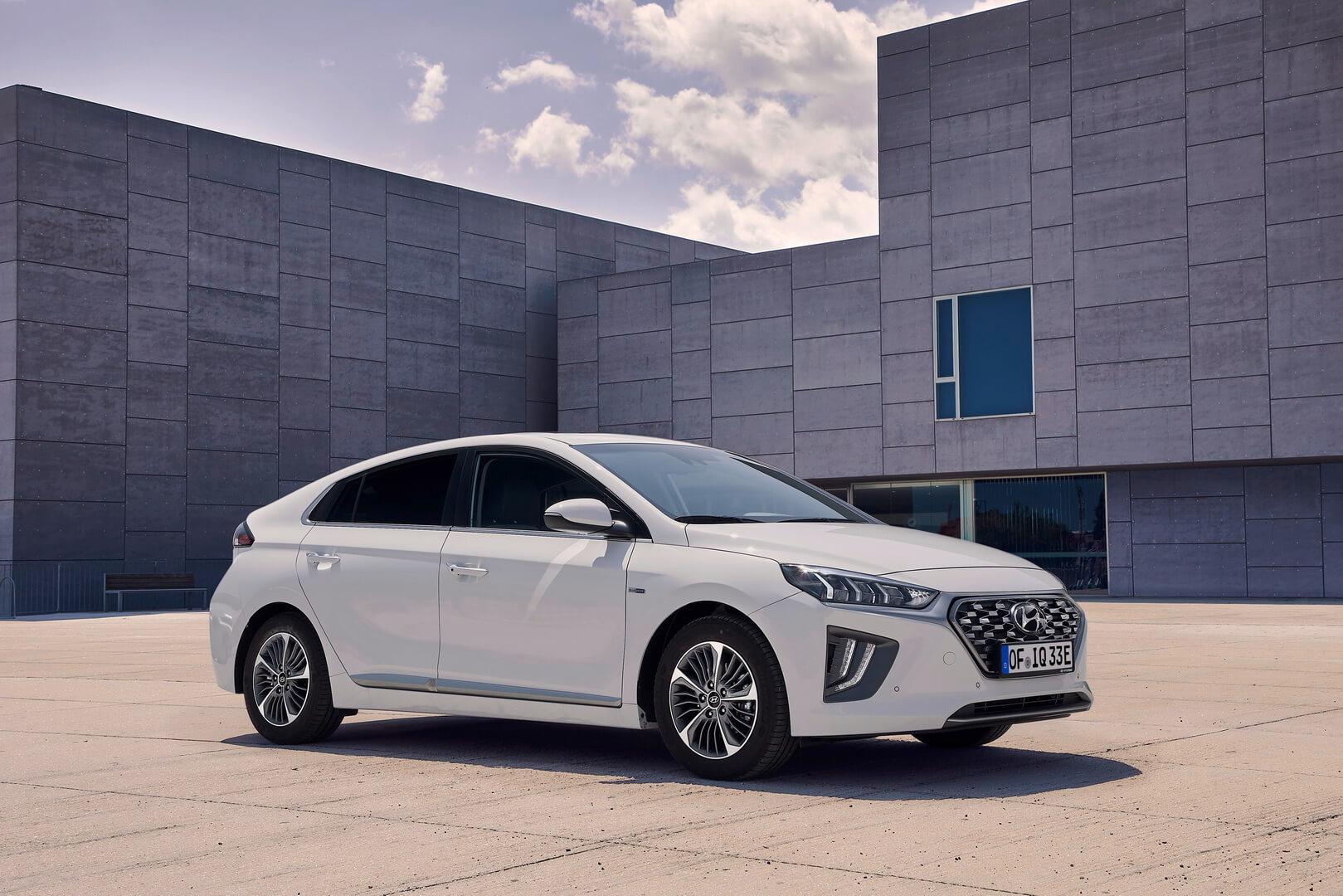 Фотография экоавто Hyundai IONIQ Plug-in Hybrid 2019