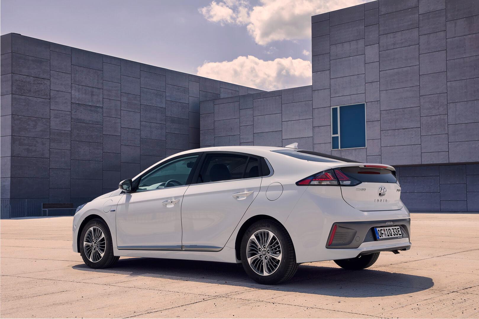 Фотография экоавто Hyundai IONIQ Plug-in Hybrid 2019 - фото 17