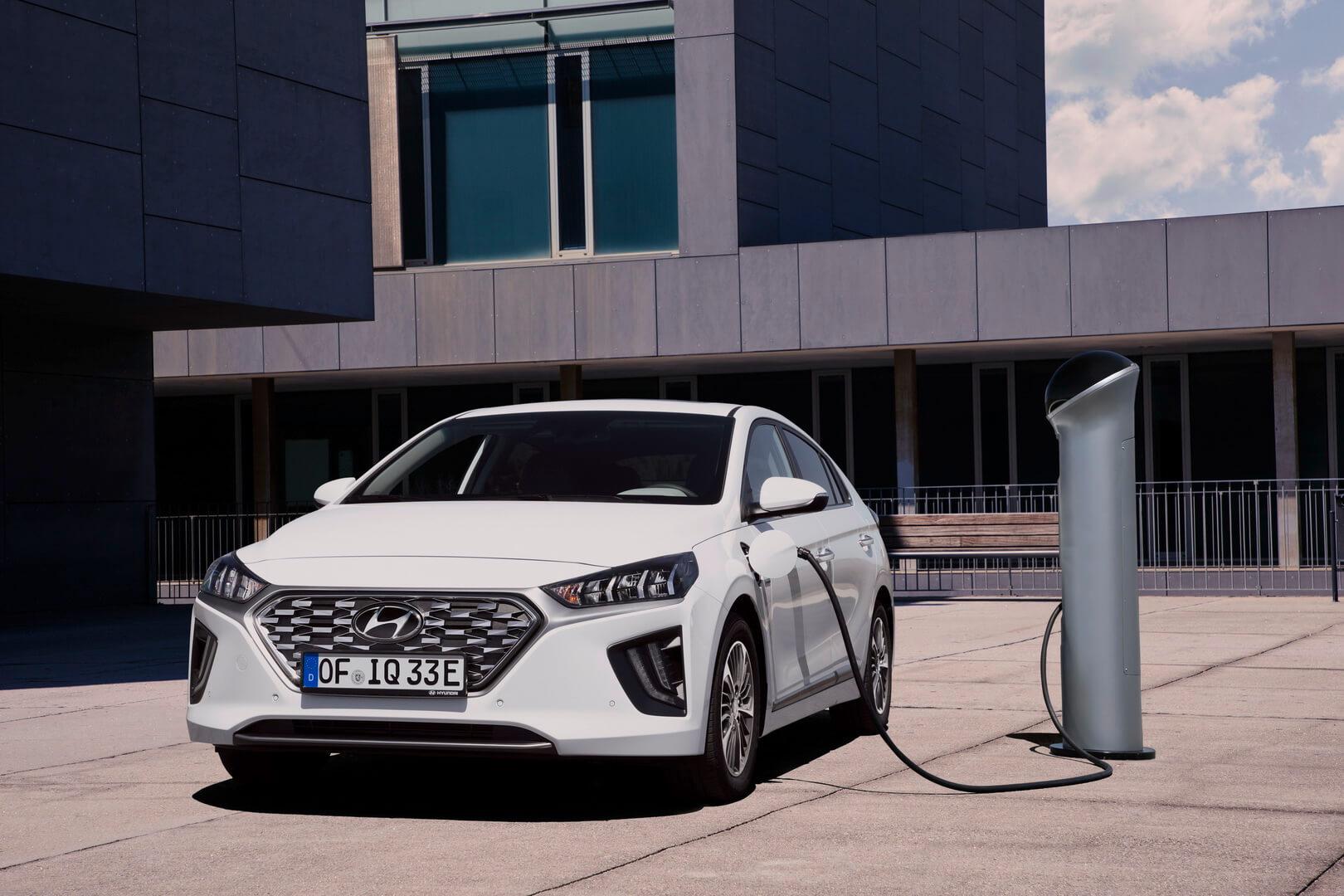Фотография экоавто Hyundai IONIQ Plug-in Hybrid 2019 - фото 13