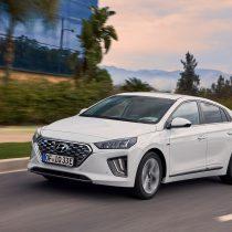 Фотография экоавто Hyundai IONIQ Plug-in Hybrid 2019 - фото 12