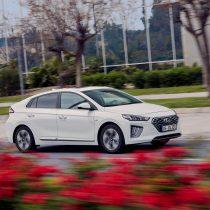 Фотография экоавто Hyundai IONIQ Plug-in Hybrid 2019 - фото 11