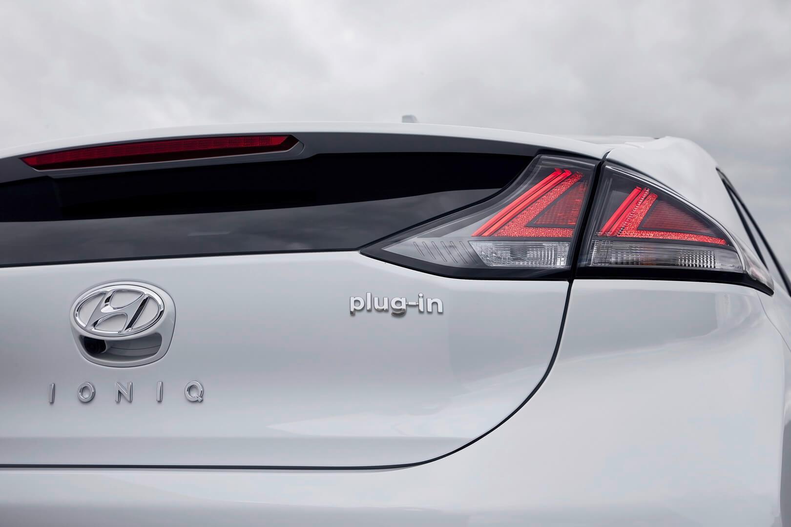 Фотография экоавто Hyundai IONIQ Plug-in Hybrid 2019 - фото 2