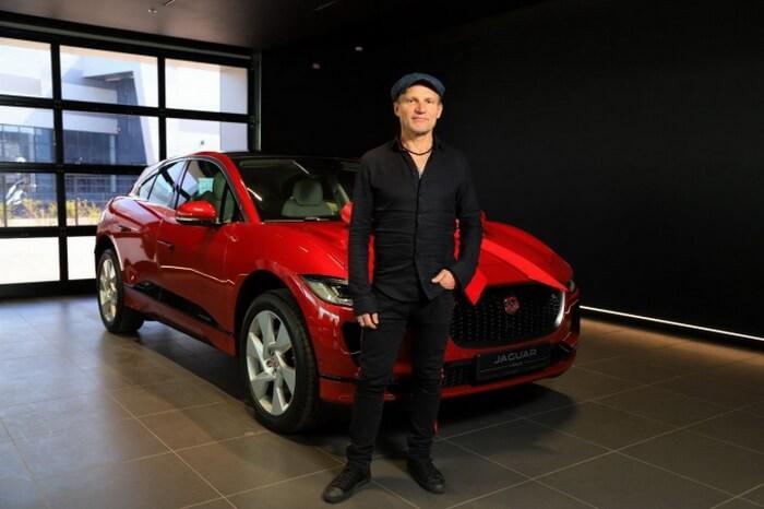 Олег Скрипка стал владельцем роскошного электрокара Jaguar I-Pace