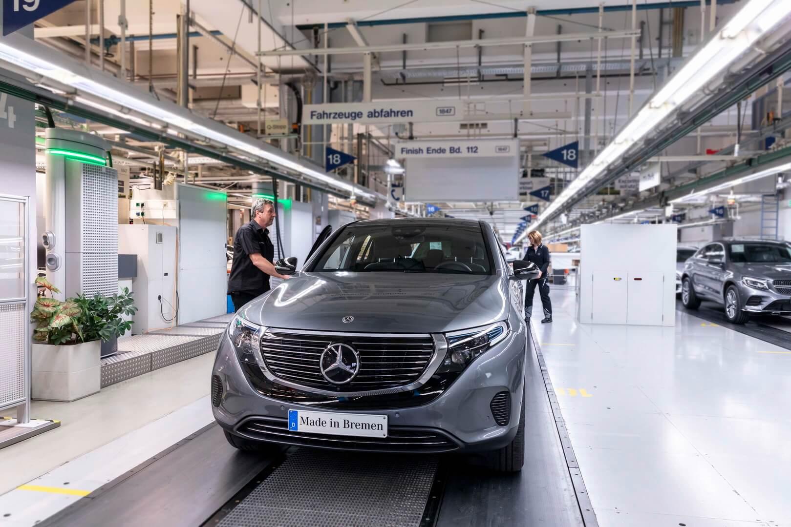 Mercedes-Benz начал производство и продажу электрического кроссовера EQC