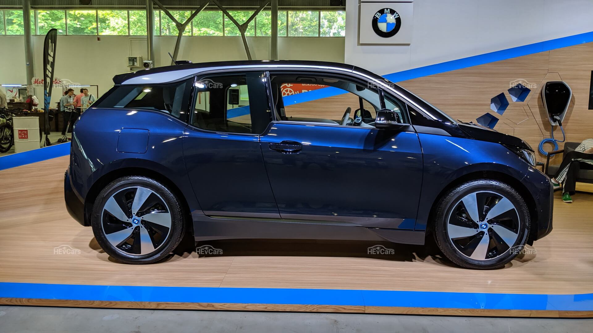Электромобиль BMW i3 2019 (42.2 кВт⋅ч)