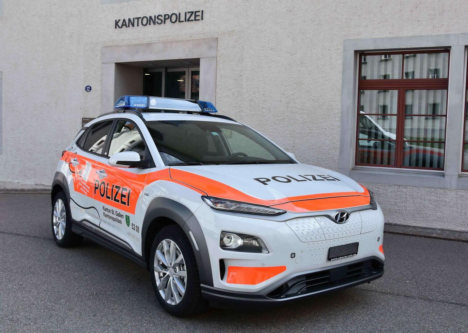 Полицейский Hyundai Kona Electric