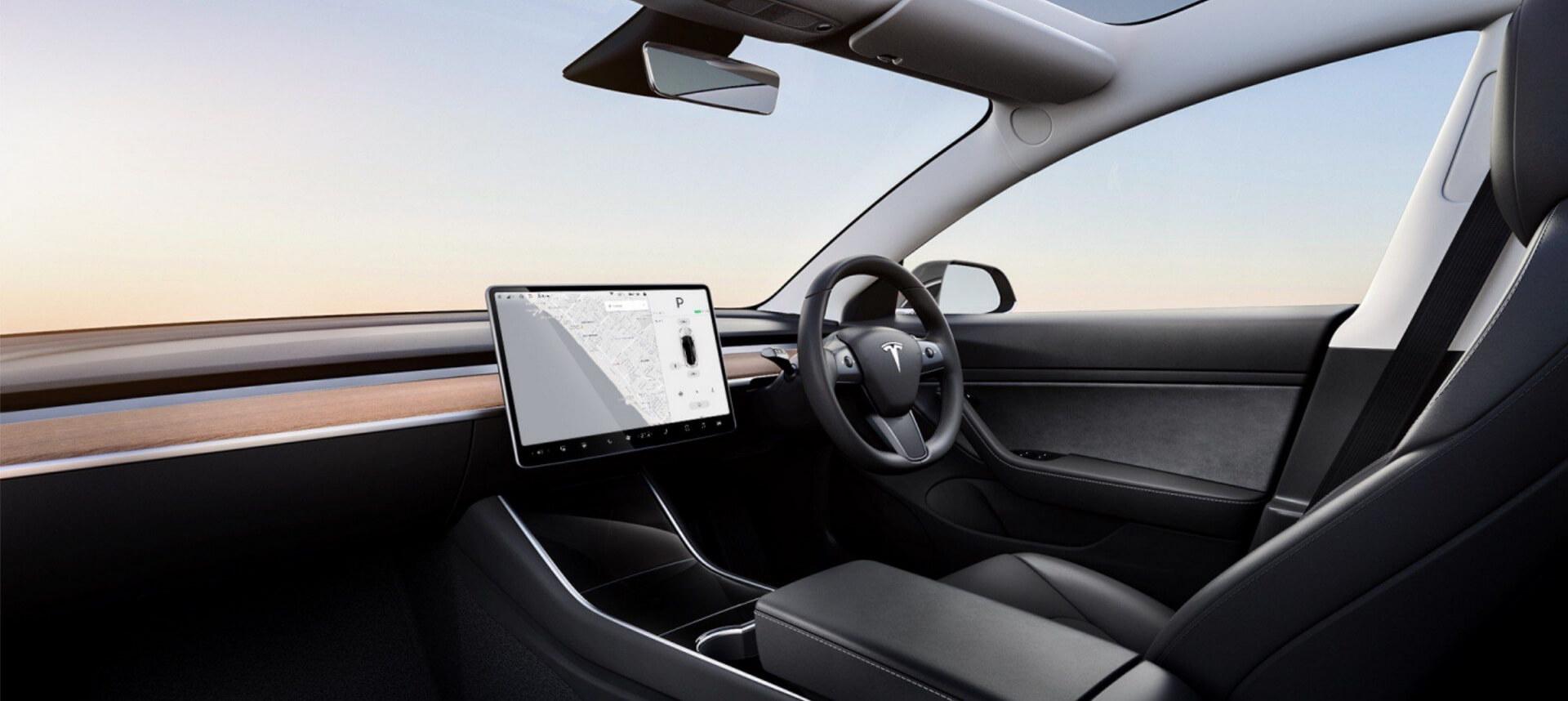 Tesla запускает праворульную Model 3 в Великобритании стоимостью от £38,050