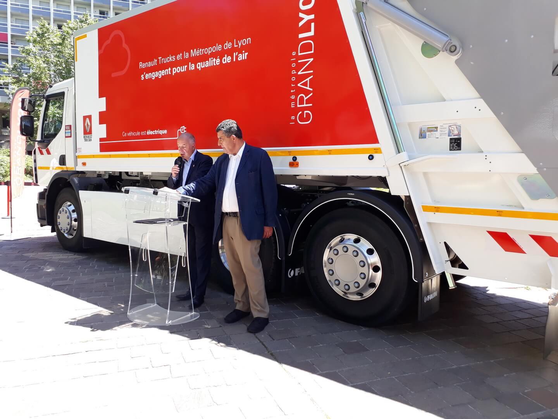 Renault отправило на работу в Лион свой первый электрический мусоровозDWide Z.E.