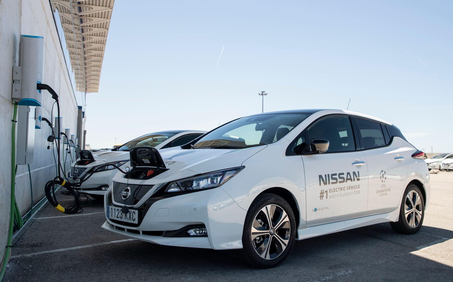 Зарядка электромобилей Nissan Leaf