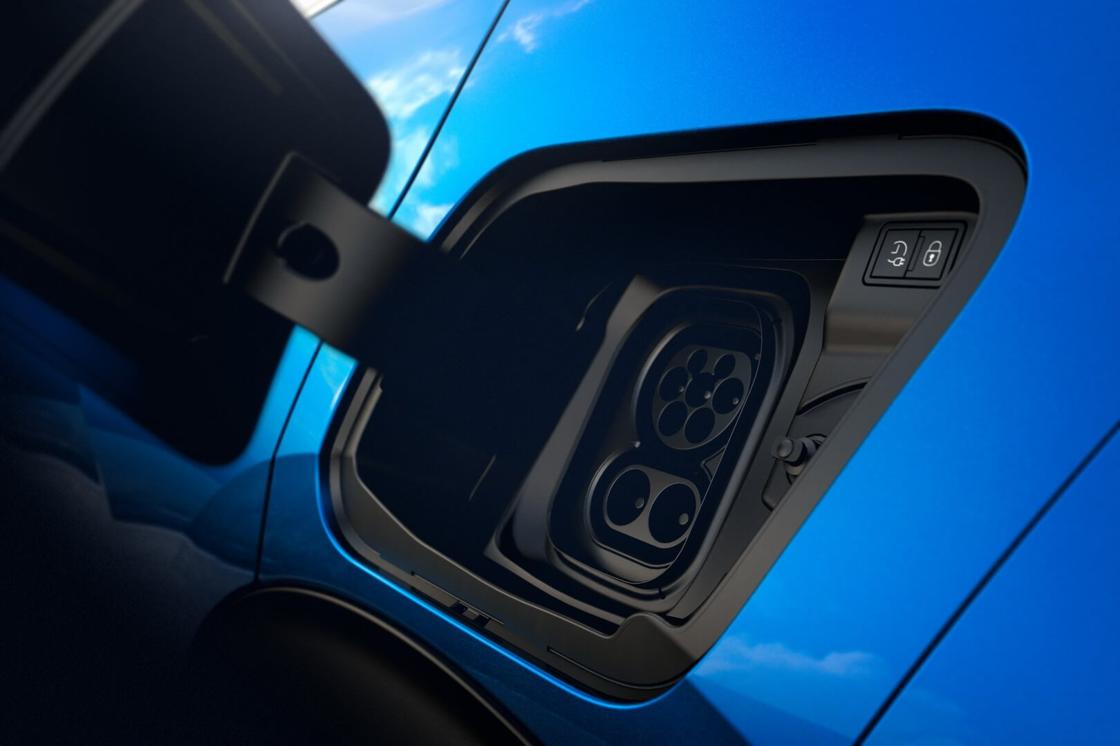 Порт зарядки Peugeot e-2008 - фото 2