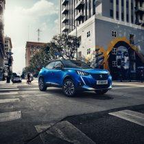 Фотография экоавто Peugeot e-2008 - фото 4