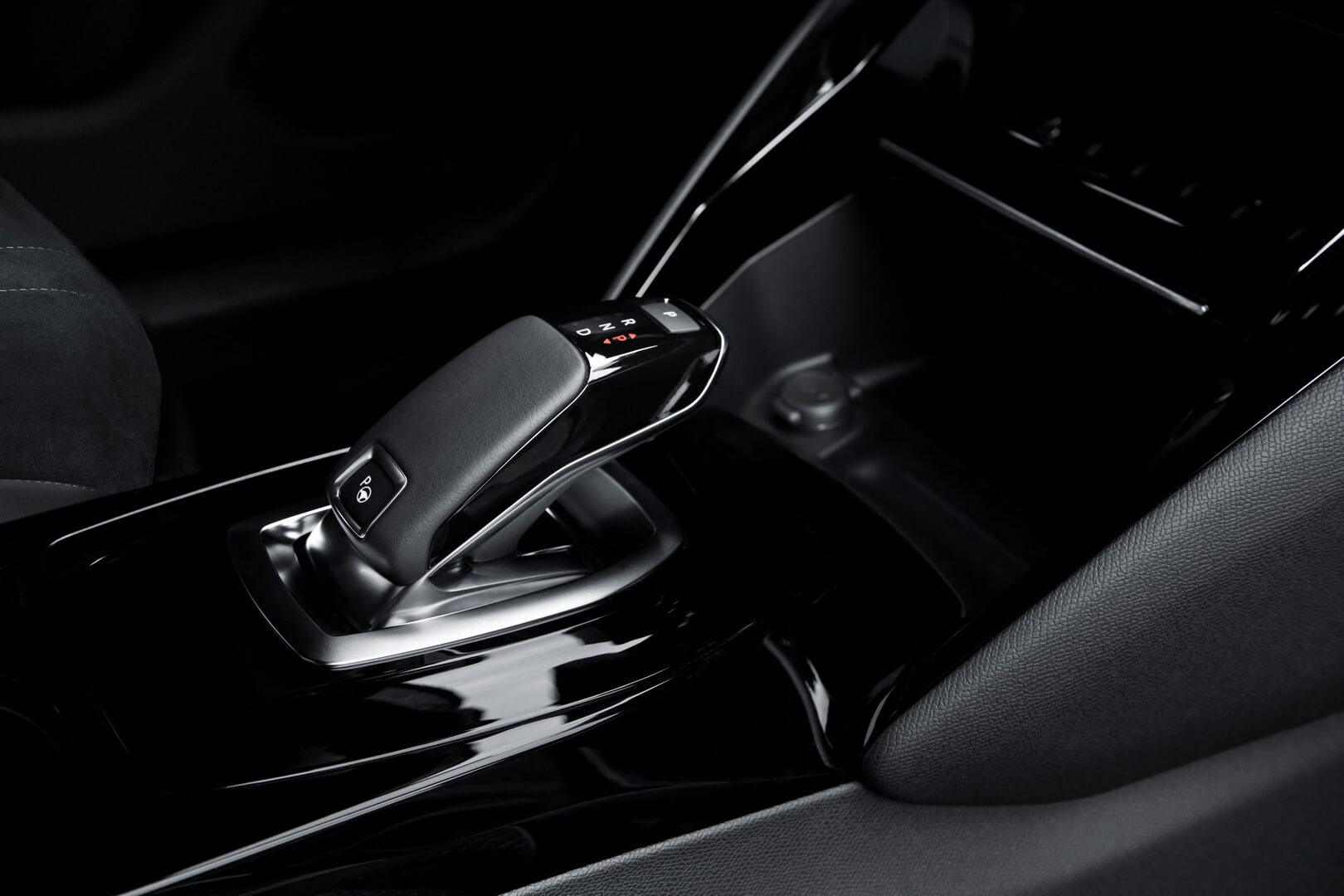 Фотография экоавто Peugeot e-2008 - фото 31
