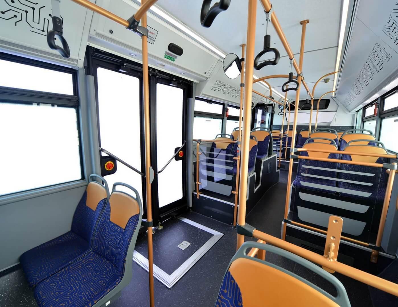 Салон электрического автобуса Avenue Electron