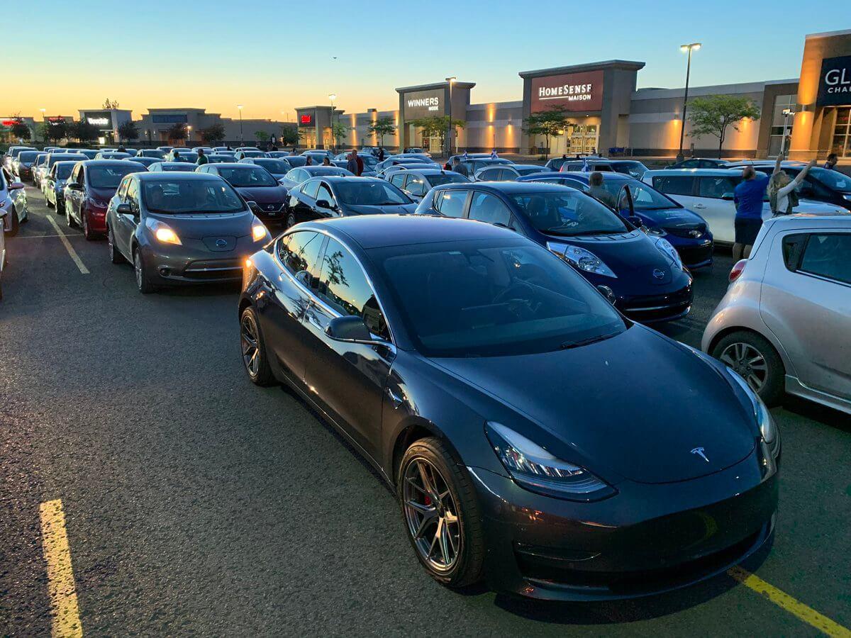 Пробег из 520 электромобилей открыл новый мост в Канаде
