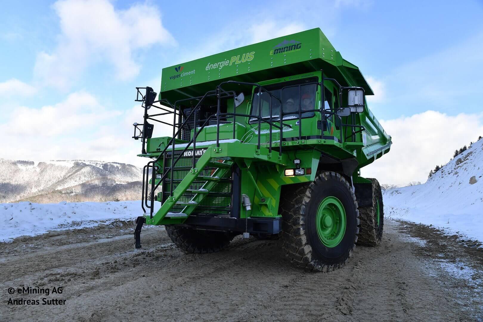 Самый большой электрокар в мире способен перевозить 65 тонн груза